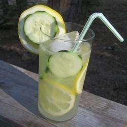 Refreshing Summer Cucumber Lemonade 1