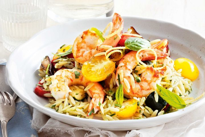 Risoni salad with grilled prawns, basil and roasted vegetables 1