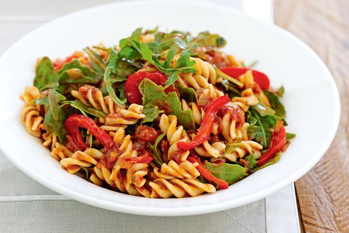 Roasted capsicum and rocket pasta