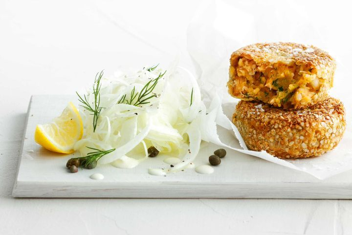 Salmon & quinoa cakes with creamy fennel salad 1