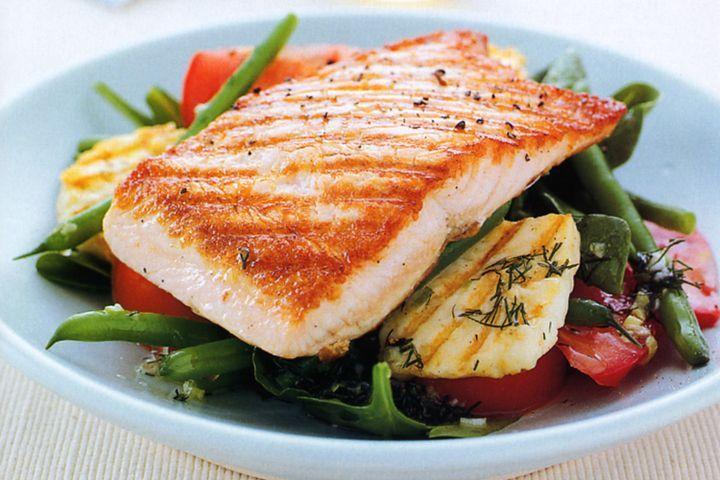 Salmon with haloumi & green bean salad 1