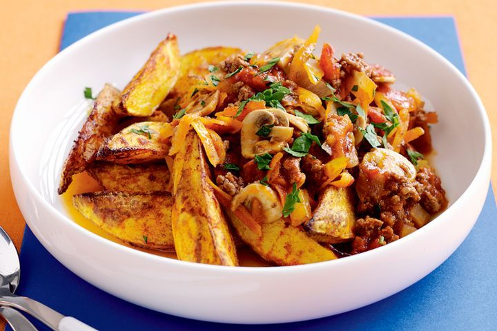 Savoury mince and potato wedges 1