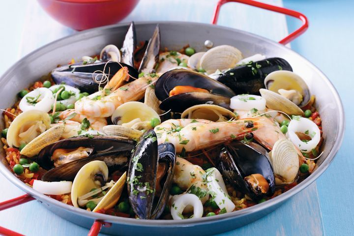 Seafood paella 1