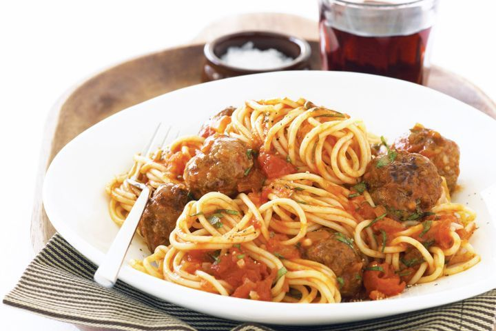 Spaghetti and meatballs in tomato sauce 1