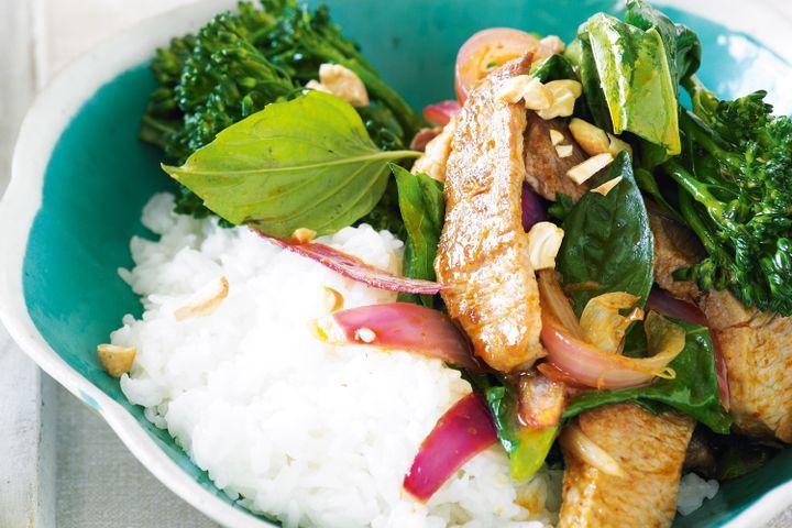 Spicy pork stir-fry with broccolini & thai basil 1