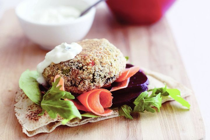 Spinach and salmon burgers with tzatziki 1