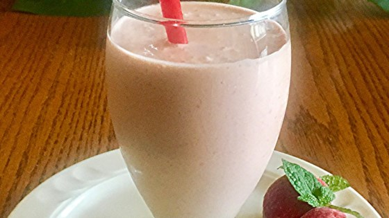 Strawberry-Banana-Peanut Butter Smoothie 1