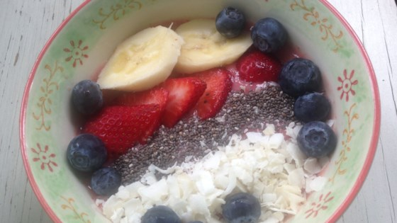 Strawberry-Banana Smoothie Bowl 1