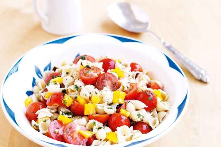 Tomato and olive pasta salad 1