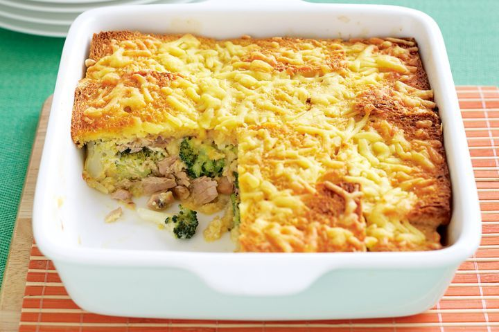 Tuna and broccoli bread bake 1