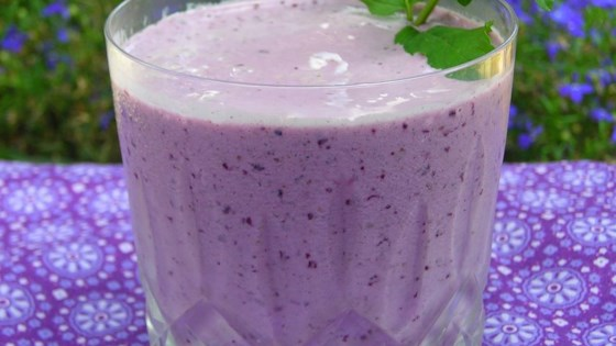 Very Berry Blueberry Smoothie 1