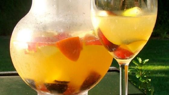 White Peachy Sangria 1