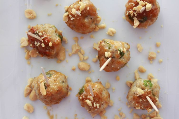 chicken meatballs with sweet peanut sauce 1
