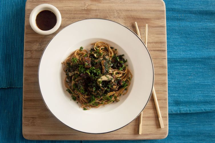 Sweet and Spicy Sesame Soba with Tempeh, Kale and Mushroom 1