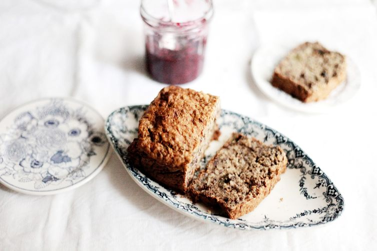 Banana bread with figs and whole wheat flour 1