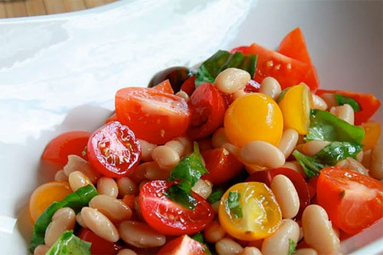 Mixed Tomato and Cannellini Bean Salad 1