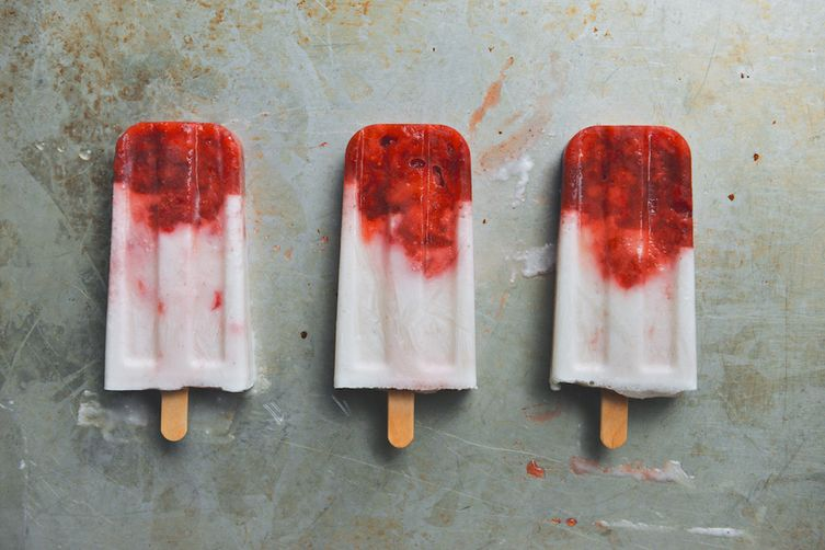 Coconut-Lime and Strawberry Popsicles 1