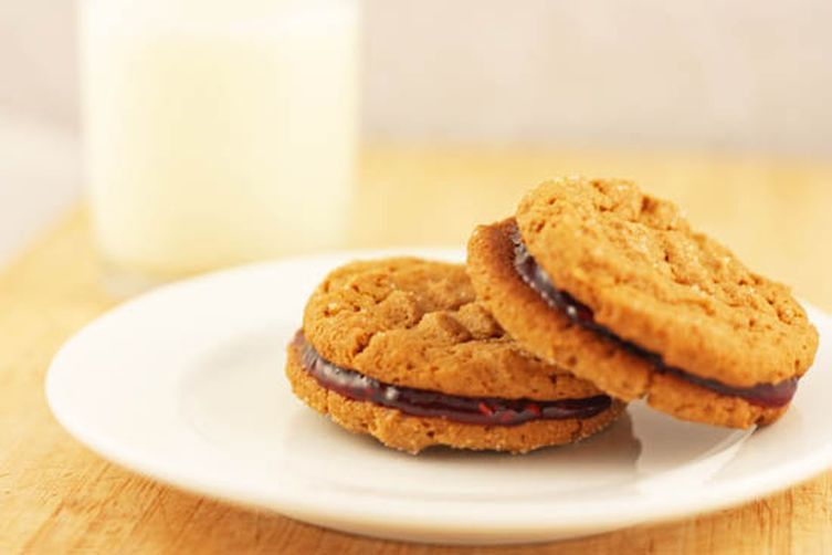 Peanut Butter and Jelly SandwichCookies 1