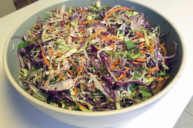 Asian-style Cabbage Slaw w/Tofu and CrunchyRamen