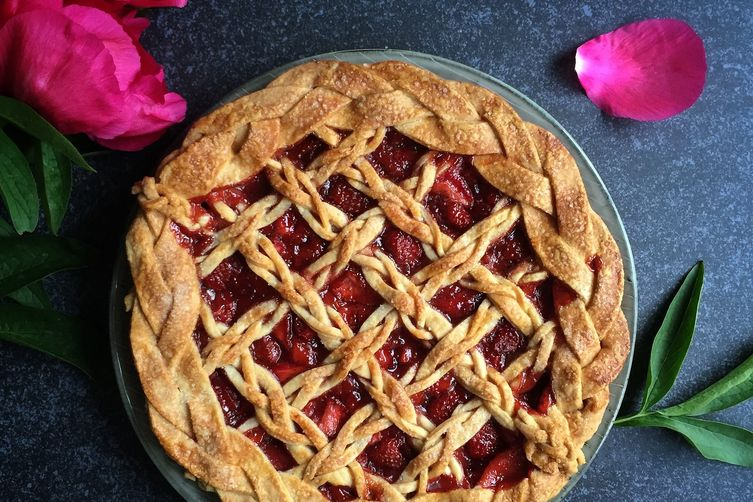 Strawberry Elderflower Lattice Pie