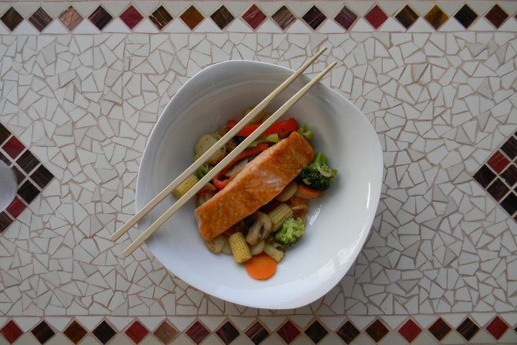 Grilled Salmon with Stir-Fried Veg 1