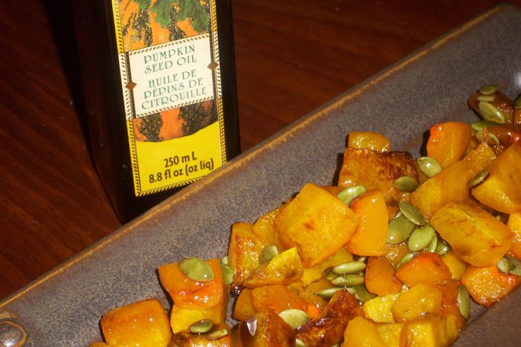 Roasted butternut squash with pumpkin seeds and pumpkin seed oil 1