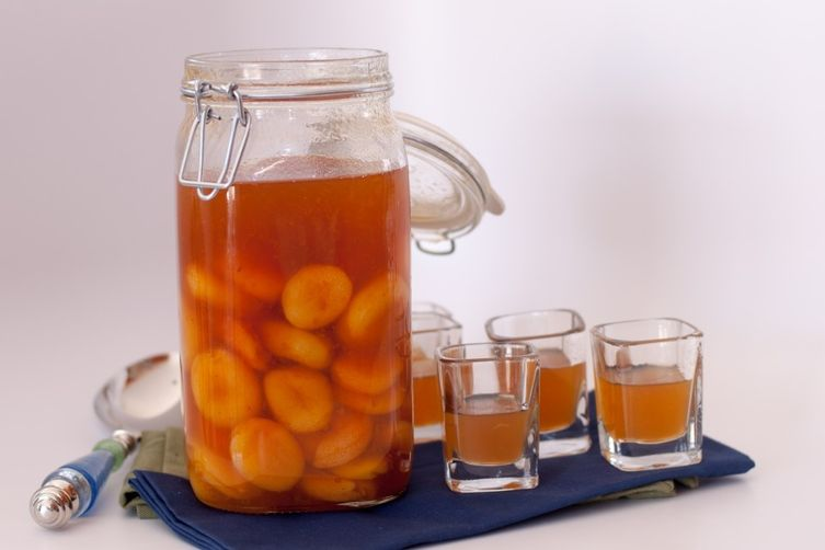 Homemade Apricot BrandyShots 1