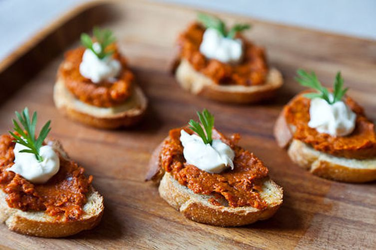 Roasted Carrot Harissa and Crème Fraîche Crostini 1
