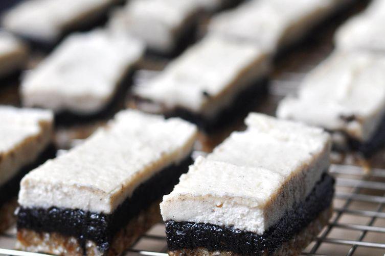 """Vanilla & Black Sesame Raw Cashew """"Cheesecake""""Bars"""