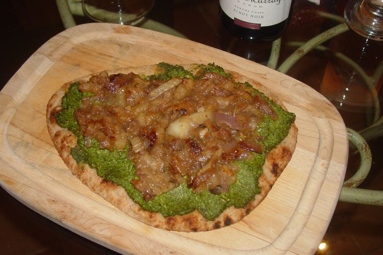 Pizza with Pea-Spinach Pesto and Caramelized Onions andFennel 1