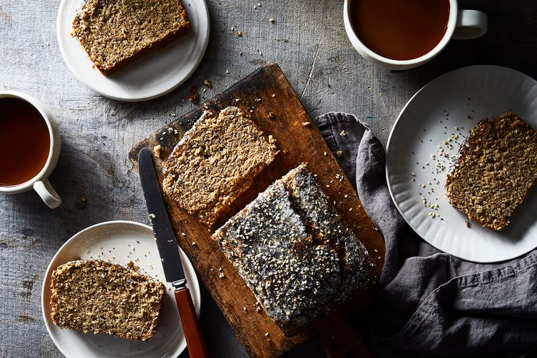 Seeded Whole-Wheat BananaBread 1