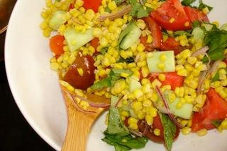 Tomato and corn summersalad 1