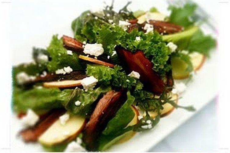 Manuka Bacon, Apple & Goat's Cheese Salad with Honey LemonDressing 1
