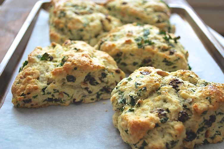 Cheesy Kale Scones 1