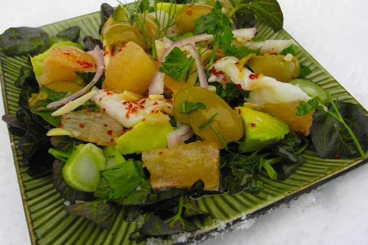 Ceviche with pink grapefruit and greenolives 1