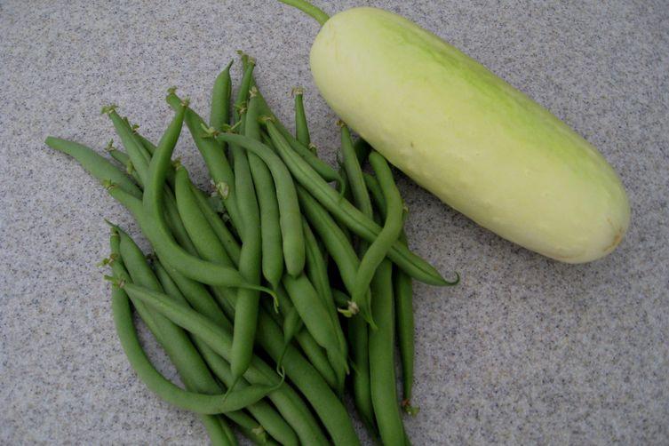 Cucumber, Green Bean and Dillsalad 1