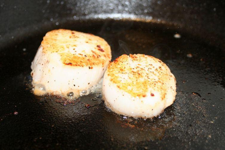 Sambuca Seared Scallops with Shiitake TruffleCream 1